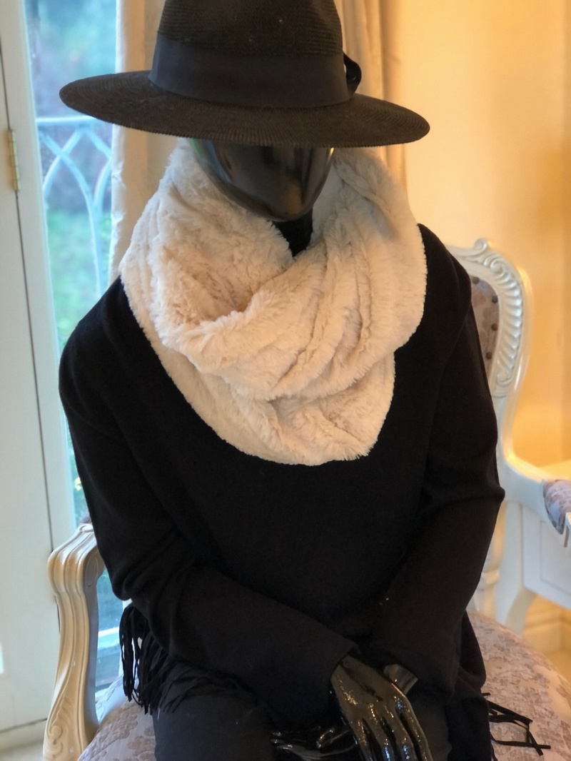 Plush Lush Snood Winter White